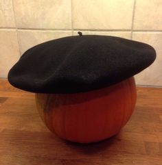 Classic quality French PEDRITO black wool beret Medium Made in France