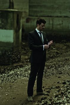 Karl Urban. SubCategory: Suit porn