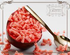 Ovo de páscoa de colher - Morango - Emporio Doces Finos #chocolate #pascoa