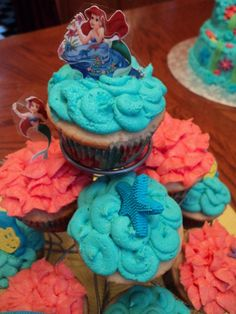 little mermaid cupcakes on http://momwhats4dinner.com/little-mermaid-cupcakes/192218_1909183730722_1275711531_2308700_1870459_o/