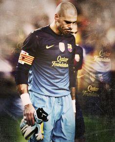 Victor Valdes #FCB #FCBarcelona #Barca #Barcelona #Barça Fc Barcelona, Lionel Messi, Happy Guy, Best Football Team, Soccer Equipment, Soccer Players, Club, Fifa, Sports