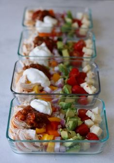 Simple meal prep bowls filled with all the flavors of a chicken burrito minus the carbs. Prepare on Sunday and enjoy all week! Summer is almost here and I know for many of us that means were searching for easy no-cook recipes that are waistline friendly. Lunch Meal Prep, Meal Prep Bowls, Easy Meal Prep, Healthy Meal Prep, Healthy Snacks, Easy Meals, Healthy Eating, Meal Prep For The Week Low Carb, Keto Meal