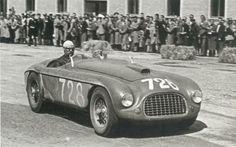 The Great Alberto Ascari Driving The Ferrari in the Mille Miglia 1950 Ferrari Daytona, Ferrari Ff, Ferrari Racing, Sports Car Racing, Road Racing, Sport Cars, Race Cars, F1 Racing, Classic Sports Cars