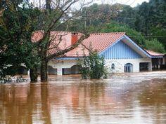 Sobe para 9 o número de mortos pela chuva no Paraná