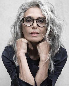 aging gracefully Healthy and shiny hair is something most of us want to achieve and I am often asked for styling advice and tips. Whether you are blonde, brunette, have short or long Grey Hair Over 50, Long Gray Hair, Grey Wig, Curly Gray Hair, Grey Hair Bangs, Wavy Bangs, Lilac Hair, Pastel Hair, Hairstyles Over 50
