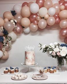 52 New ideas for birthday cake baby blue party ideas Balloon Garland, Balloon Decorations, Birthday Decorations, Balloon Arch, 18th Birthday Party, Baby Birthday, Birthday Ideas, Birthday Cake, Elegant Birthday Party