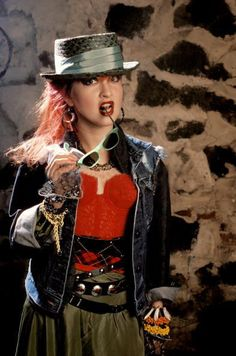 Cyndi Lauper  90s opshop fashion now this is how the hat is supposed to sit on your head