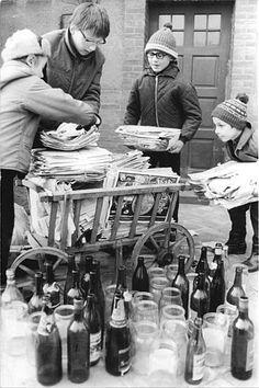 """""""Altstoffe""""sammeln. Mit den mühselig gesammleten Groschen wurden keine """"Freiheitskämper"""" unterstützt, sondern diese lächerlichen """"Villen"""" in Eandlitz gebaut."""