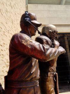 ND in bronze Touchdown Jesus, Lou Holtz, Go Irish, Notre Dame Football, Fighting Irish, College Football, Statue, Cheer, University
