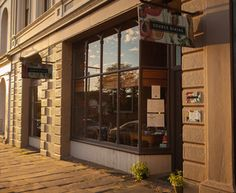 Source Dining - Tim & Michelle Fosters fantastic restaurant in Piper Street Kyneton