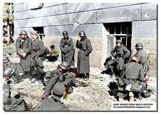 ILLUSTRATED HISTORY: RELIVE THE TIMES: Images Of War, History , WW2: Color Pictures Of German Soldiers During WW2