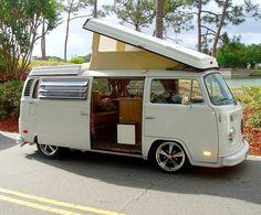 Our 1969 VW Pop-top camper. I loved it. Such wonderful memories. Volkswagen Bus, Vw Bus T2, T3 Vw, Volkswagen Transporter, Kombi Trailer, Kombi Motorhome, Trailers, Bus Camper, Pop Top Camper