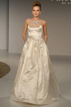 No need for a necklace in this new with tags Priscilla of Boston 4509 wedding dress with pockets!