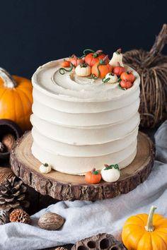 halloween cake pumpkin