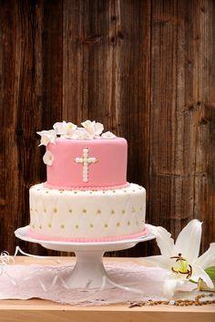 first holy communion cake Decoration Communion, First Communion Decorations, Girl Baptism Party, Girl Christening, First Holy Communion Cake, Girl Cakes, Holi, Relationship, Places