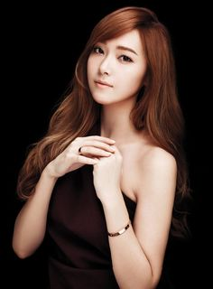 Jessica Snsd  CARTIER'S LOVE COLLECTION
