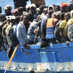 Lavoro Bari  I carabinieri hanno trovato la carovana all'alba subito dopo l'approdo. Tra di loro anche sette stranieri dichiarano di essere siriani e afgani  #LavoroBari #offertelavoro #bari #Puglia Lecce un altro sbarco a Otranto: 24 migranti rintracciati. Caccia allo scafista