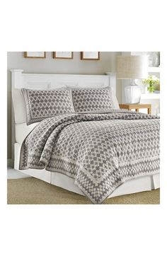 Free shipping and returns on Nautica 'Selwood' Pieced Quilt at Nordstrom.com. Floral medallion print adds ample vintage sophistication to a lightweight quilt that reverses to a complementary solid to mix up the look of your bedroom décor.