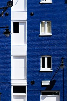Blue & White & Black  facade | Bankside, London, England | by 5ERG10 on Flickr