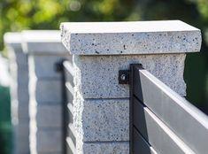 XCEL | Gotowe elementy betonowe na ogrodzenie - Xcel Modern Fence Design, Living Room Tv, Backyard Fences, Diy Home Crafts, Gate Ideas, Outdoor Decor, Homes, Home Decor, Beautiful