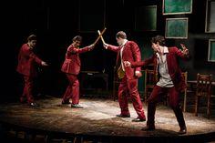 """O Espaço Furnas Cultural recebe o espetáculo """"R & J de Shakespeare - Juventude Interrompida"""", que tem temporada gratuita até o dia 8 de dezembro."""