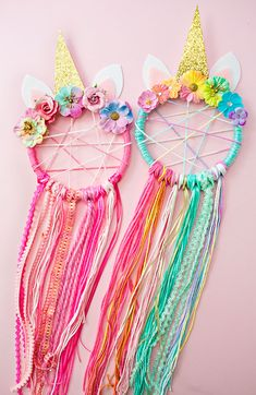 Ten absolutely beautiful unicorn crafts for kids! These unicorn crafts would all make a perfect craft activity for kids at a unicorn birthday party! DIY unicorn crafts for kids! Pot Mason Diy, Mason Jar Crafts, Cute Crafts, Diy And Crafts, Decor Crafts, Room Crafts, Cute Diys, Diy Decoration, Crafts With Yarn