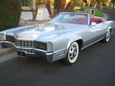 1968 Cadillac Eldorado Convertible - an interesting custom but the wide-whites would not be my choice.