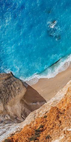 Aaerial view aquamarine blue ocean and beach Ios 11 Wallpaper, Ocean Wallpaper, Apple Wallpaper, Nature Wallpaper, Galaxy Wallpaper, Wallpaper Backgrounds, Xiaomi Wallpapers, Ios Wallpapers, Ocean Photography