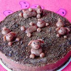 Tort ze świnkami.  Fot. Ula.
