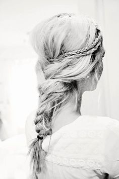 Back braid with small braids pinned into | http://braidhairconstantin.blogspot.com