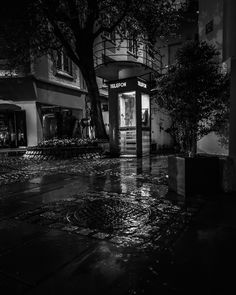 The last phone booth in my town. It makes me think of those simpler of times. Just meeting up with your frinds at a cafe or droping in on them unannounced. Night Rain, Photos, Pictures, City, Norway, Darkness, Instagram Posts, Photography, Times