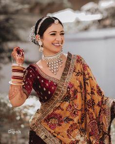 (C) Nimisharathi | (C) Dipakstudios | (C) Makeoversbyridhiverma | Bridal lehenga | Bridal saree | Floral dupatta | Wedding photography | Bridal jewellery #bridaljewellery #trending #necklace #nath #lehenga #bridaloutfitideas #bridallehenga #flowers #maangtikka Indian Bridal Photos, Indian Bridal Outfits, Indian Bridal Fashion, Indian Fashion Dresses, Indian Designer Outfits, Bridal Makeup Looks, Indian Bridal Makeup, Bridal Looks, Indian