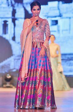 Sophie Choudry on the ramp at the 'Caring With Style 2016'. #Bollywood #Fashion #Style #Beauty #Hot #Sexy #Desi