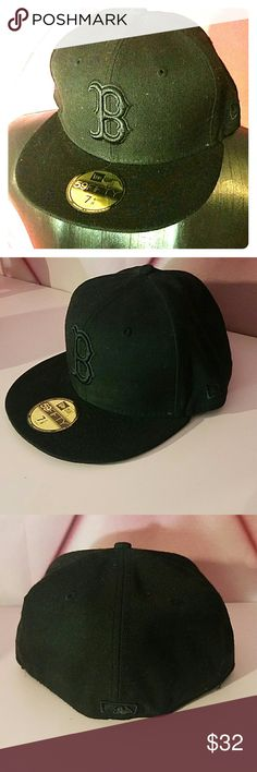 59fifty new Era Boston redsox fitted hat Black on black  7 1/8  Brand new   No trades  Make reasonable offers New Era Accessories Hats