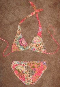 Sewing a swimsuit - great tutorial with lots of pictures. This is my next project... just have to find fabric I love