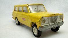Vintage Tonka yellow jeep cherokee truck toy 1961 boys decor room~~