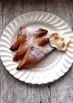 My Little Expat Kitchen: Dutch apple turnovers - Appelflappen Dutch Recipes, Greek Recipes, Apple Recipes, Fall Recipes, Cooking Recipes, Brownie Recipes, Dessert Recipes, Kitchen In, Apple Turnovers