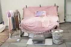 Studio per i servizi fotografici! Beanbag, copertine, teli, accessori di vario genere per neonati e bambini.  Siamo Bimbi di Liliana Cantù www.siamobimbi.it