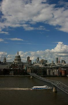 St Paul's Cathedral, the Millenium Bridge and the river Thames from the Tate Modern Gallery, London Tate Modern Gallery, Great Places, Beautiful Places, Tate Modern London, Wales Uk, River Thames, London Calling, Aerial View, Nice View