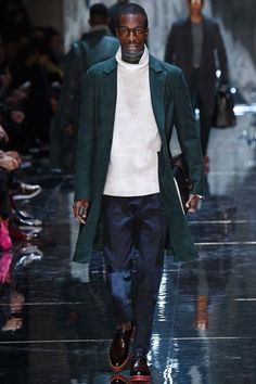 See the complete Berluti Fall 2015 Menswear collection.