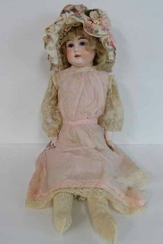 Photo gallery: Online Auction of Vintage and Collectible Dolls, Teddy Bears, paper dolls and Breyer Horses | EstateSales.org