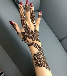Beautiful Mehndi Design - Browse thousand of beautiful mehndi desings for your hands and feet. Here you will be find best mehndi design for every place and occastion. Quickly save your favorite Mehendi design images and pictures on the HappyShappy app. Henna Hand Designs, Mehndi Designs 2018, Modern Mehndi Designs, Mehndi Design Pictures, Mehndi Designs For Girls, Mehndi Designs For Fingers, Beautiful Henna Designs, Arabic Mehndi Designs, Henna Tattoo Designs