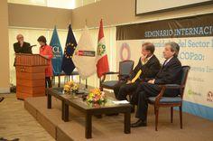 El lunes 15 y martes 16 de septiembre se llevó a cabo el Seminario Internacional: Oportunidades del Sector Privado ante la COP20: Reputación, Eficiencia y Nuevas Inversiones, organizado por el Ministerio del Ambiente, la Cámara de Comercio de Lima y la Delegación de la Unión Europea en Perú, con el apoyo de Libélula y la SPDA. Descarga las presentaciones de nuestra cuenta de SlideShare: https://www.slideshare.net/LibelulaCambioClimatico