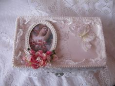 Shabby Chic Keepsake Box - Scrapbook.com