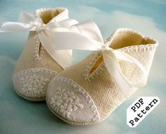 Baby Shoes Sewing PDF Pattern with Appliques and Ribbon Ties