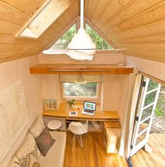 Woman designs stunning modern 140 sq. ft. Californian tiny home (Video) : TreeHugger