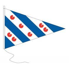 Puntvlag Friesland wimpel 30x45cm op een schip vooral gebruikt voor op de boeg (op de punt dus) Een puntvlag wordt (ten onrechte ookwel geusje of vaandel genoemd) Materiaal pavillon met koord en lus rondom gezoomd topkwaliteit voor buiten in de wind.