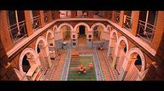 THE GRAND BUDAPEST HOTEL - Bagom scenografien og opbygning af et univers. LOCATION LOCATION LOACATION
