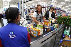 """I would die if this happened"" HOW IS THAT CASHIER STILL STANDING OMG!!!!! I wanna work at SAMs club now."