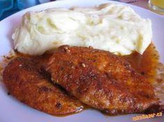 Kuřecí prsa naklepeme, ne moc, lepší jsou silnější plátky. Do misky si připravíme směs koření s m... Mashed Potatoes, Food And Drink, Homemade, Meat, Chicken, Ethnic Recipes, Whipped Potatoes, Home Made, Smash Potatoes